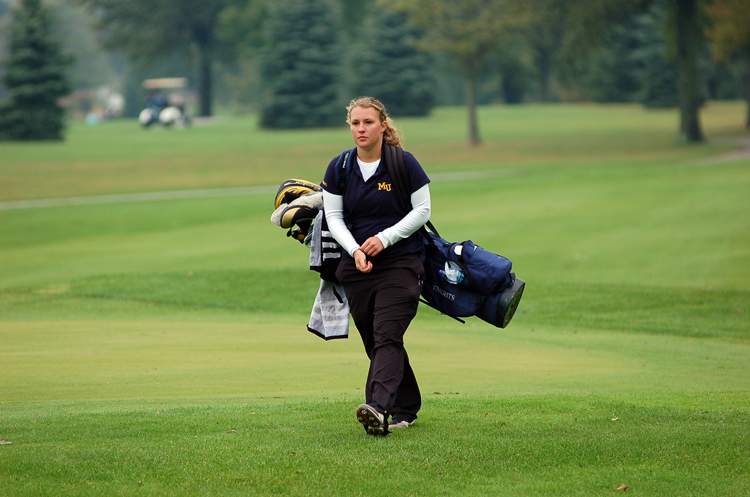 Freshman Leah Miller heads to the next hole.