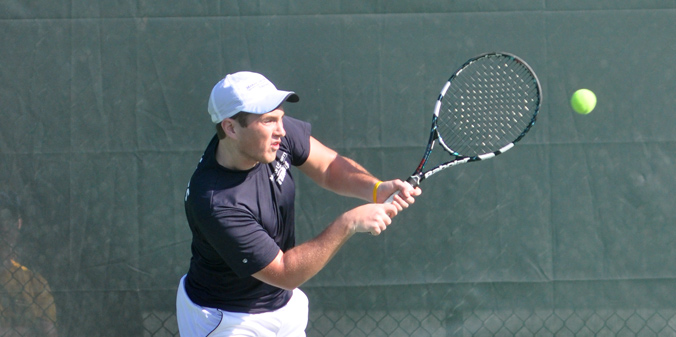 Sophomore Taylor Kinney was one of three Knights to pickup singles victories vs. Davenport.