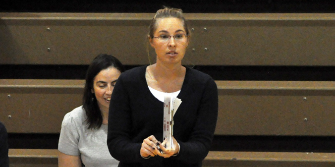 Head coach Ashlee Pritchard and the Knights will look to regroup after a three-set defeat on Saturday.