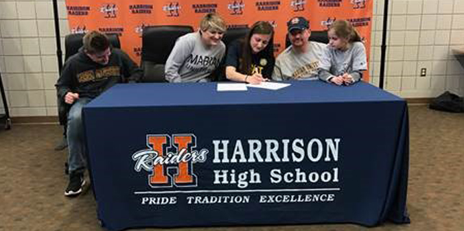 Chelsea Simmons Signs With Marian Track and Field