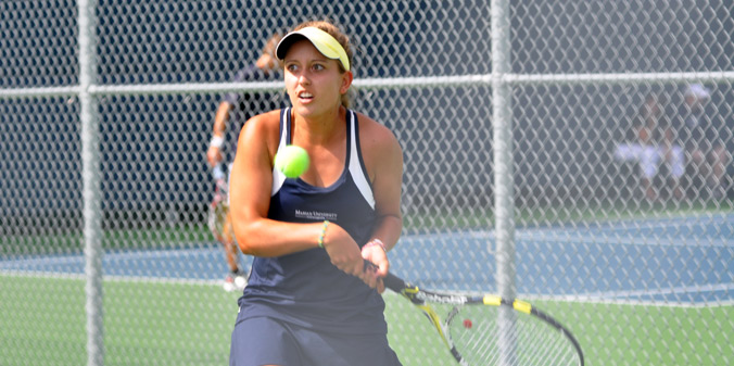 Junior Hannah Knust moved to 9-1 on the season in singles play with a straight-sets win on Tuesday.
